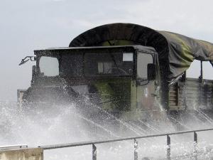 curatare vehicule militare3